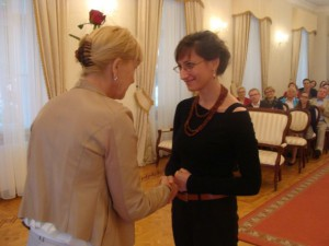z18146483Q,Miroslawa-Szott--autorka-tomiku-poezji--Pomiary-Za